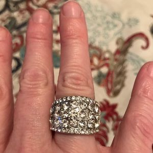 Jewelry - Beautiful Crystal Sparkly Ring